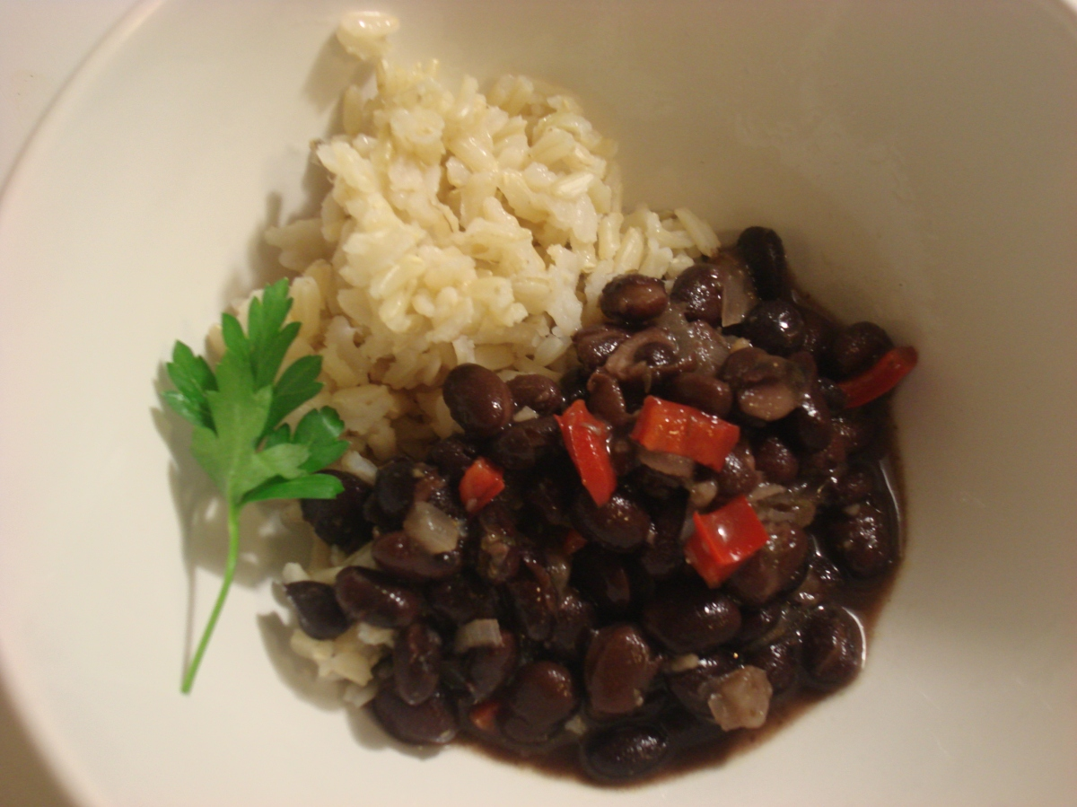 Classic Spanish-Caribbean Black Beans (Frijoles Negros) and Perfect ...