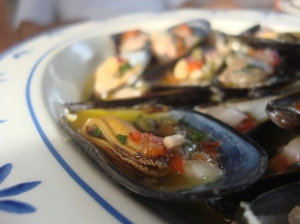 Mussels vinaigrette (make em the night before)