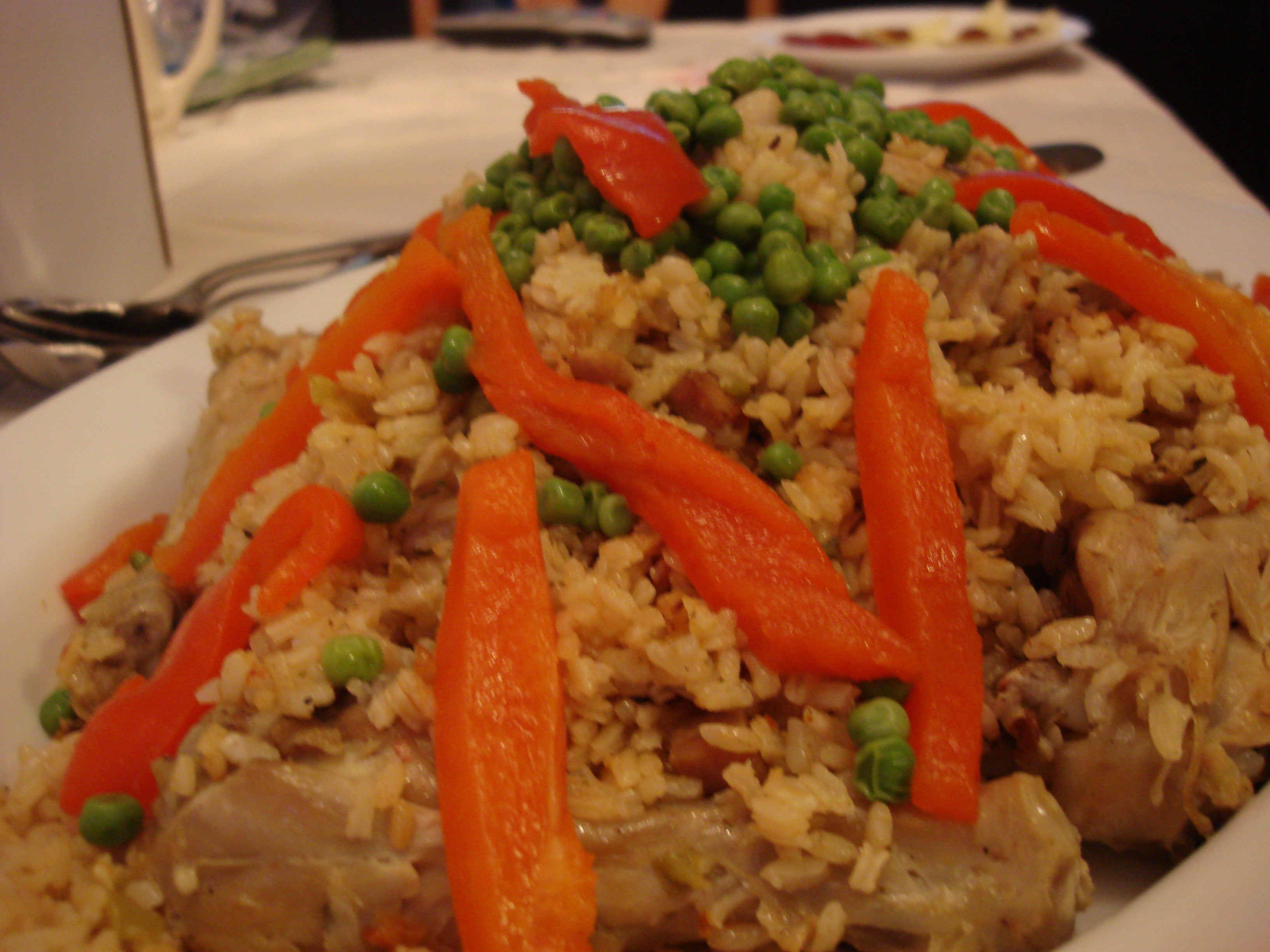 Arroz Con Pollo Clásico Puerto Rican Chicken And Rice Traditional And Epic Hot Cheap Easy