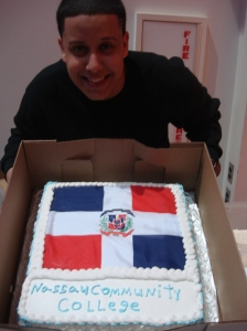 Jeffry's aunt, Anamaría, made this very special cake to show the links between our campus and the world!