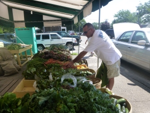 Vinny buying the beets at the Greenport Farmstand...Vinny might make a better blogger than me...he was very insistent that I photograph everything!