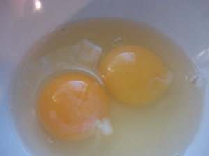 I just like taking pictures of eggs. I think they are so very, very beautiful and perfect.