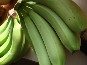 Yup. they are banans. But they are green.